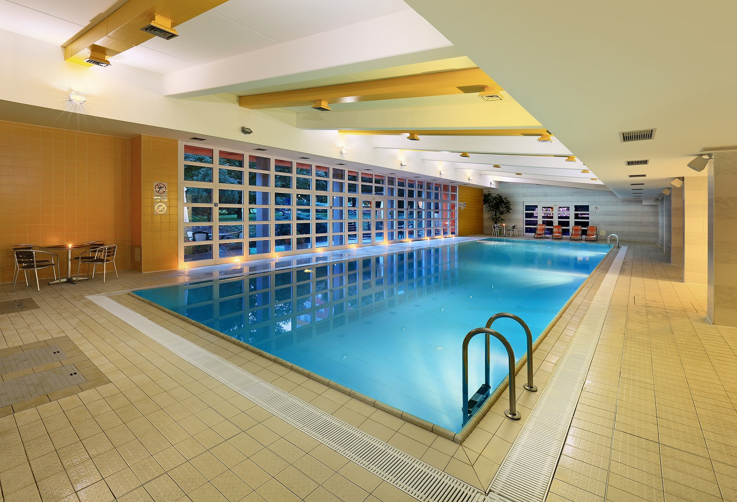 Hotel Duo Sports Center Swimming pool 2
