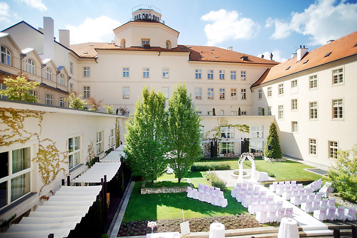 prague wedding setup 14
